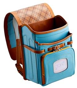 耐性牛革ウイングチップフリルランドセルの前ポケットとメインポケット